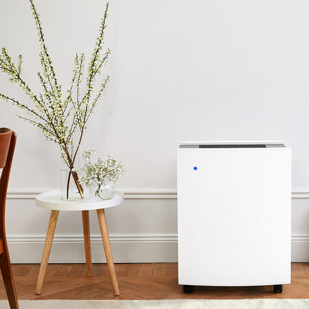 Blueair Classic 605 air purifier open room