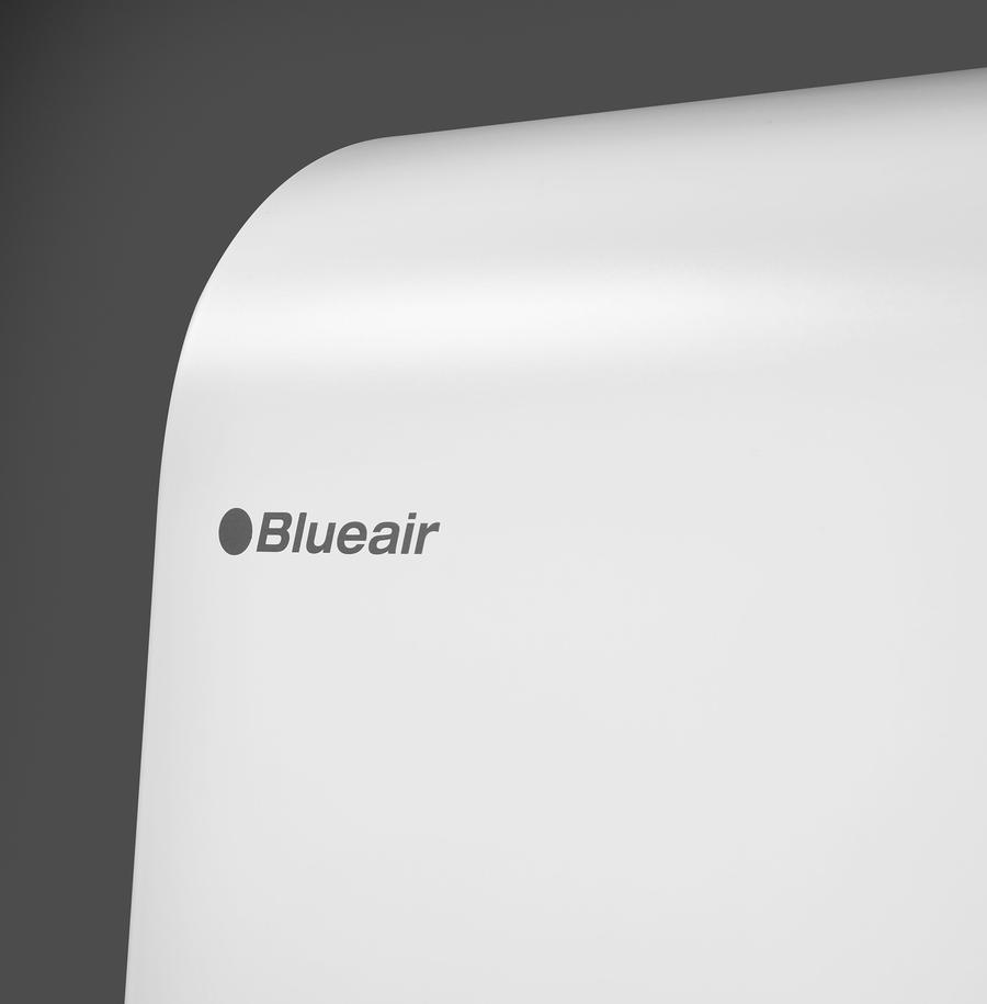 HealthProtect™ 7470i air purifier angle view logo