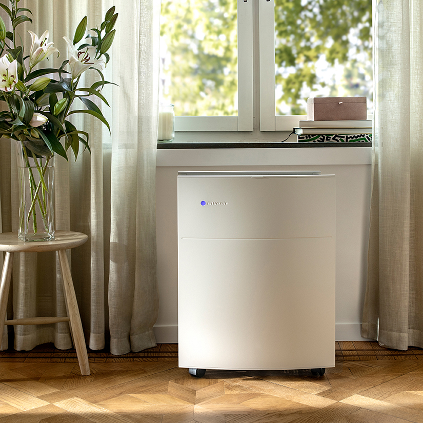 Blueair Classic 680i air purifier medium room